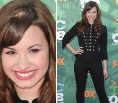 Demi Lovato x3